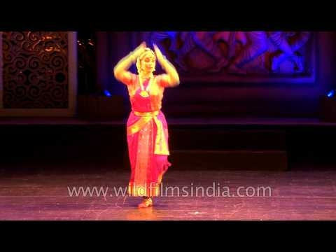 Foreign Dancers performing Indian Classical