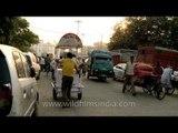 Traffic hustle bustle in the Azadpur mandi