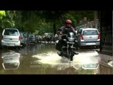 Motorcycle going backwards? Rewinding rain and people for fun in Delhi!