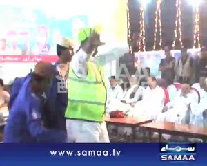 Police constable went out of control and started dancing on the music tunes