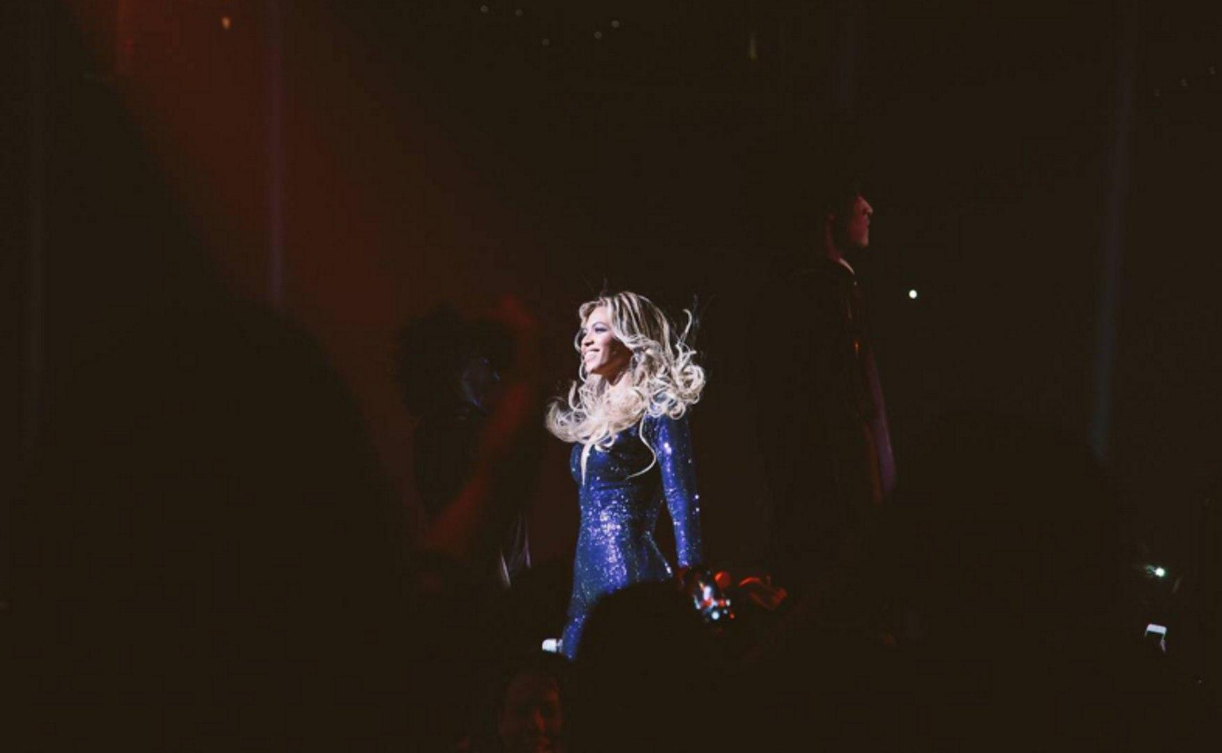 Beyoncé  - Love On Top (The Mrs Carter Show World Tour - Rock In Rio 2013)