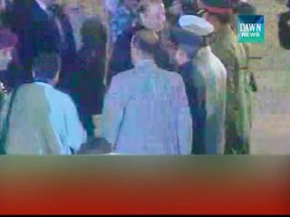 PM pays tribute to soldiers at Independence day parade