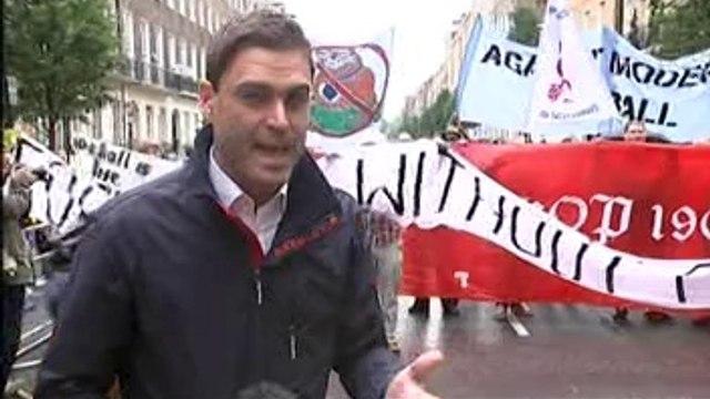 London: Football fans demand cheaper tickets at Premier League games