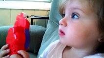 Une petite fille a la réaction la plus mignonne en voyant une fusée décoller!