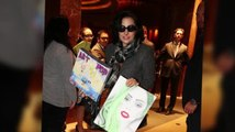 Los Little Monsters de Lady Gaga le regalan arte