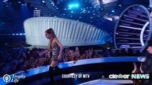 Ariana Grande Wins BIG at 2014 MTV VMAs - Acceptance Speech!