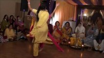 "Beautiful PUNJABI Grils """"""""""""BHANGRA"""""""""" Dance (FULL HD)"