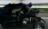 Batman aperçu en moto à Tokyo - ZAPPING AUTO DU 01/09/2014