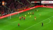 Sabri Sarıoğlu ve Eboue Galatasaray'ın Avrupa Kadrosunda Yok