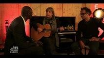 """Omar Sy chante  """"Un jour j'irai à New york avec Toi"""" - Copains d'abord"""