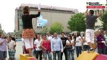 """VIDEO. Flash-mob """"signé"""" avec les sourds de Poitiers"""