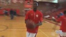 Basket-ball  : Dunk à une main pendant l'échauffement...