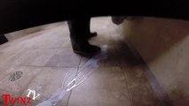 """""""Il s'est fini sur mes chaussures!"""" Caméra cachée dans les toilettes publiques qui tourne mal"""