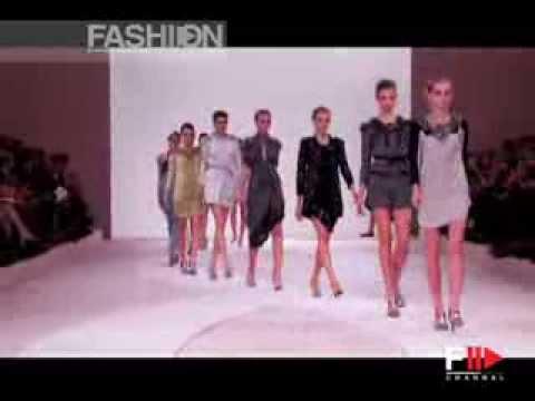 "Fashion Show ""Valentino"" Spring Summer 2009 Paris 2 of 2 by Fashion Channel"