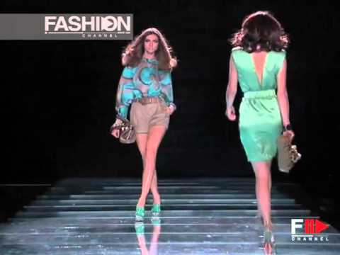 """Fashion Show """"Versace"""" Spring Summer 2008 Pret a Porter Milan 2 of 3 by Fashion Channel"""