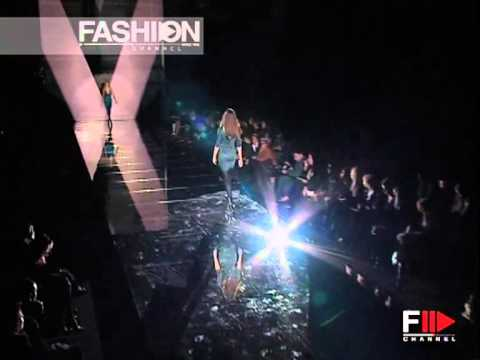 """Fashion Show """"Versace"""" Autumn Winter 2006 2007 Milan 2 of 3 by Fashion Channel"""