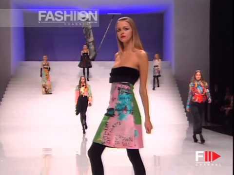 "Fashion Show ""Valentino"" Autumn Winter 2006 / 2007 Paris 2 of 3 by Fashion Channel"