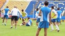 Insolite : Avant d'affronter Ronaldinho, ils s'entraînent avec des masques de loups !