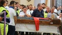 Napoli, chiesa gremita per il funerale di Davide Bifolco