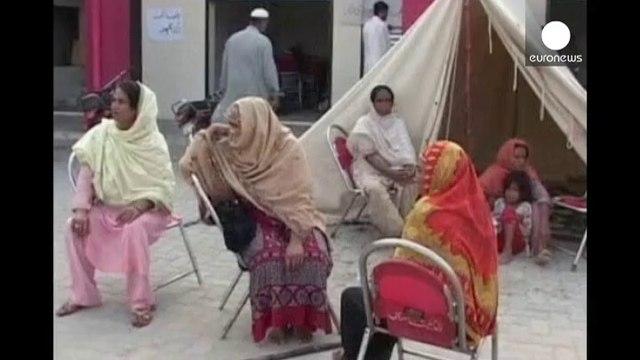 Pakistan on alert as Multan flood river rises