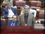 Hot Exchange of Words between Aitzaz Ahsan and Ishaq Dar in Parliament