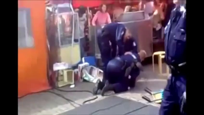 Police Officers vs Kung Fu Master - Karate Fight