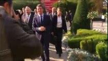 """""""N'ayez pas peur Monsieur Valls"""", lance un passant au Premier ministre"""