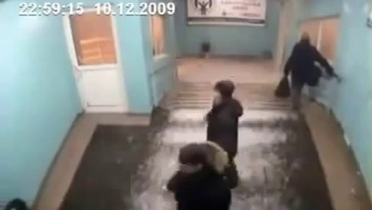 Old man knocks out 5 guys - Most craziest fights