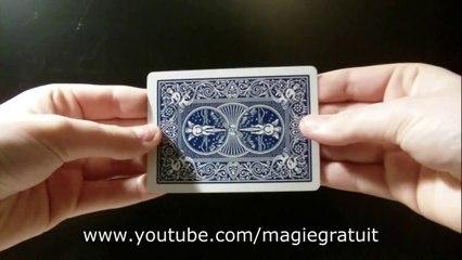 Faire voler une carte (tour de magie expliqué)