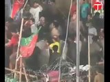 PTI workers fight in Dharna, islamabad