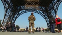 Paris beefs up security amid threats from Islamic militants