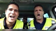 3 policiers chantent Le lion est mort ce soir