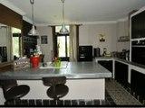 Maison de maitre à vendre à Jenlain 59144 dans le Nord pas de Calais. Cette demeure de 300 m2 est remise à neuf avec 4 chambres, 14 pièces avec jardin clos de mur avec piscine sur terrain de 1500 m2 pour l'achetez contact agence, bureau de cogit-immo.com