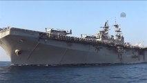 ABD Askeri Gemisi, Kuşadası'na Yanaştı