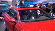 VW brennt in Paris ein Feuerwerk der Neuheiten ab