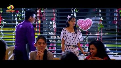 Amrutham Chandamama Lo Scenes - Harish Koyalagundla helps a couple on Valentine's Day