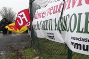 VIDEO. Manifestation contre le nouveau siège régional du Crédit agricole à Lagord (17)