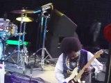 Youtube: rapero golpeó brutalmente a una fanática en pleno concierto (VIDEO)