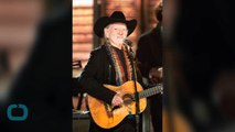 Flashback: Kris Kristofferson and Willie Nelson Take 'Road' to the Oscars