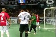 Falcao Faz met un but incroyable, Faz Falcao puts an amazing goal!