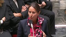 Ségolène Royal répond à une question au Gouvernement de Denis Baupin au sujet de la feuille de route du projet de loi sur la transition énergétique