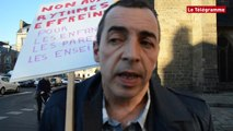 Saint-Brieuc. Rythmes scolaires : manifestation devant la mairie