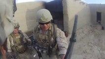 Ce Marine se prend une balle en pleine tête, mais va être sauvé par son casque !