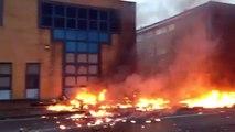 Les flammes après le crash d'un hélicoptère à Londres