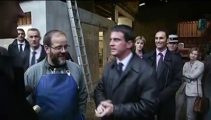 Vidéo – Manuel Valls avoue son allergie… aux journalistes !