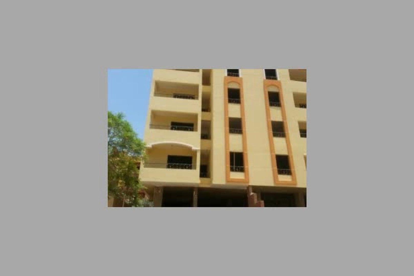 شقة للبيع في حدائق الأهرام عمارة رقم 10 ن البوابة التالتة مساحتها الإجمالية 121م الدور الرابع - mlse
