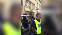 Il casse la vitre d'une voiture de police lors de son interpellation