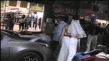 Eşine 20 Yıl Sonra Beyaz Gelinlik Giydirerek Düğün Yaptı