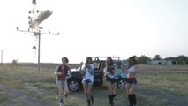 Crazy landing with a Jumbo 747 while cute girls are dancing!