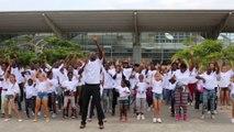 """Flashmob à Abidjan avec """"Magic in the Air"""" avec l'arrivée du vol A380 de Air France"""